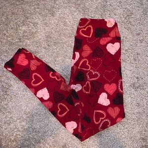 Lularoe Valentine's Day legging
